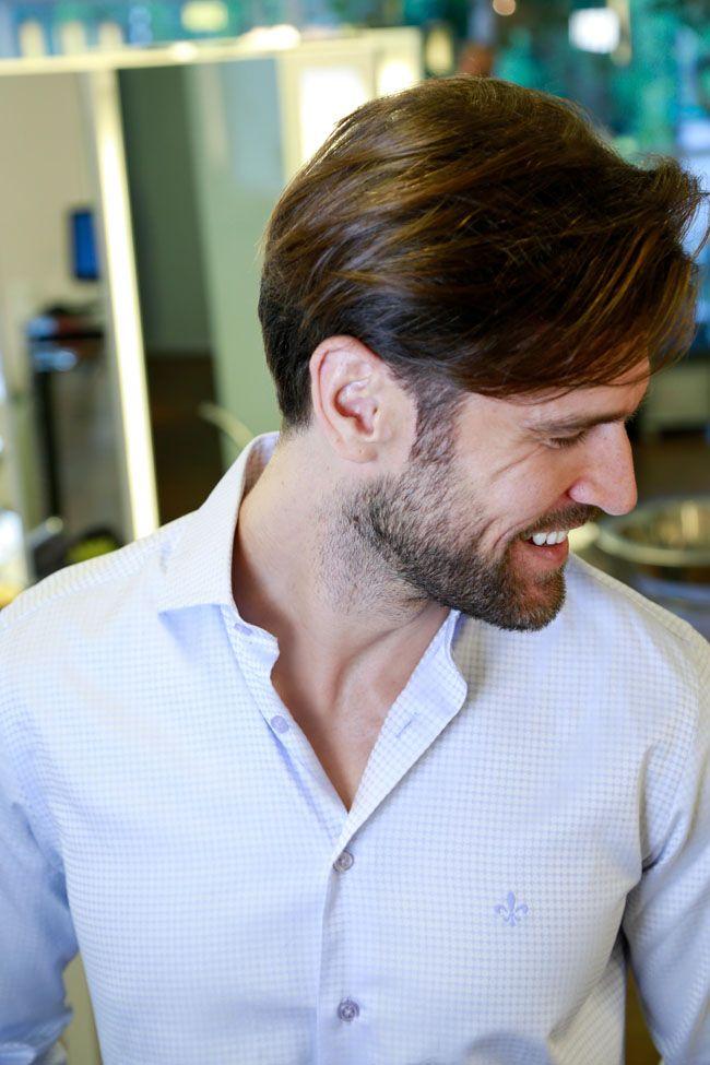 Os cabelos de homens também necessitam de cuidados especiais. Relembramos em vídeo 2 cortes masculinos, com ideias para os mais clássicos aos mais modernos.