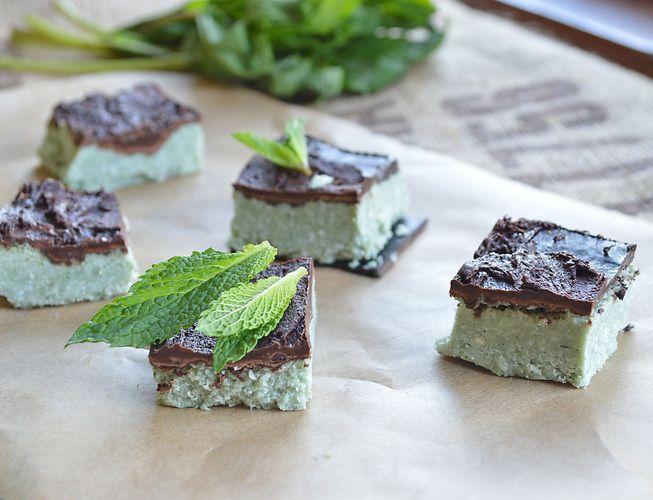 Mint Chocolate Cheesecake Bites