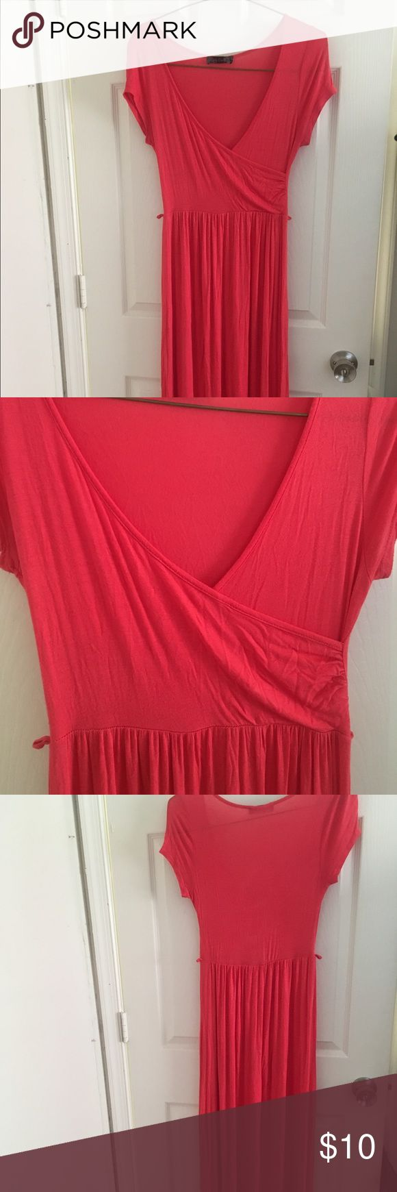 Body Central Maxi Dress Super cute coral colored maxi dress! Lightweight for the summer or paired with a cute sweater for the fall. Cotton/polyester blend. Body Central Dresses Maxi