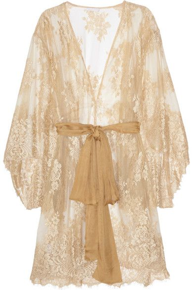 beautiful lace robe - perfect for the honeymoon!