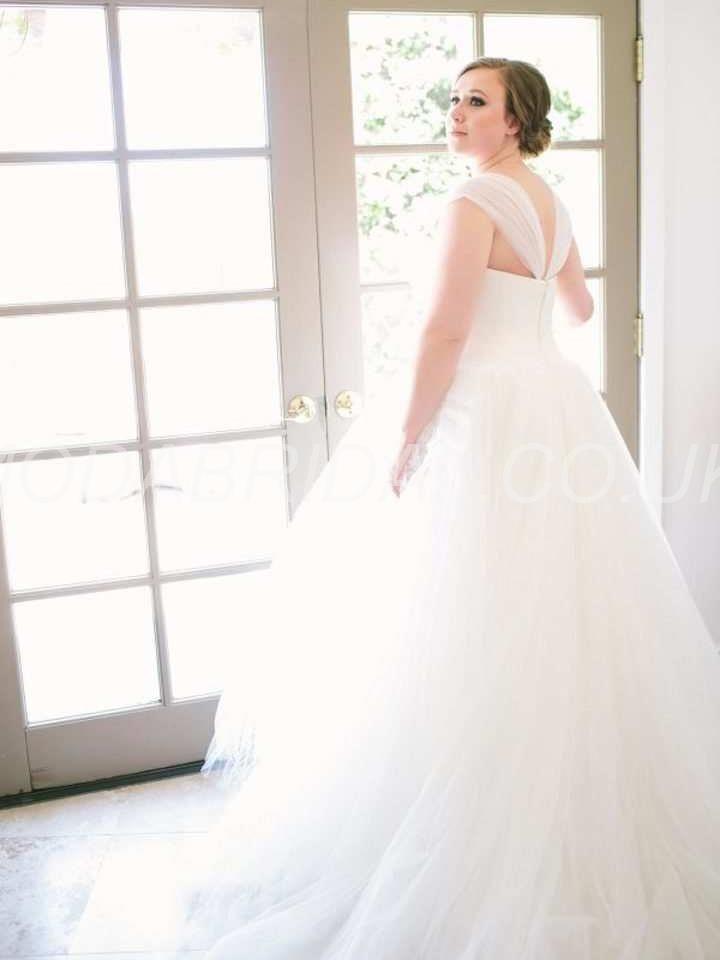 159 besten WEDDING DRESSES Bilder auf Pinterest   Perlstickerei ...