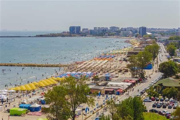 Statunea Mamaia ocupă si anul acesta primul loc, între statiunile de pe litoral, fiind cea mai aleasă destinatie de vacantă pentru turisti urmată de Venus, Jupiter si Eforie Nord