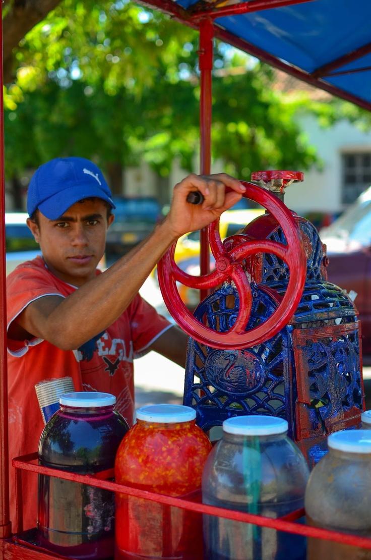 Vendedor de raspaos en Valledupar Colombia. Ruta del vallenato.
