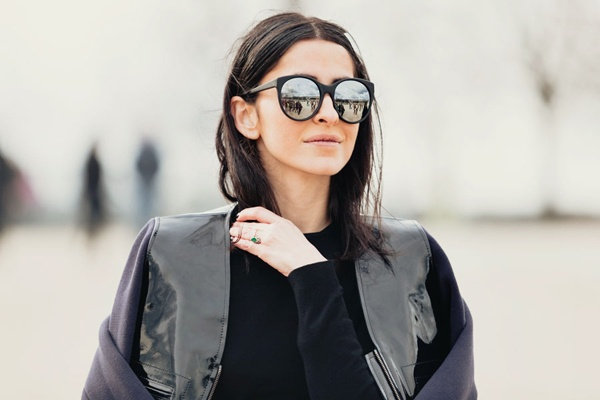 mirrored sunnies: Shades, Mirror Sunglasses, Mirror Mirror, Fashion Styles, Fashion Week, Street Styles, Mirror Sunny, Summer Accessories, Ezgi Kiram
