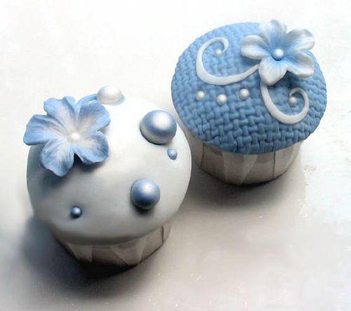 Pretty Blue Cupcakes love the idea for boys' babyshower ....
