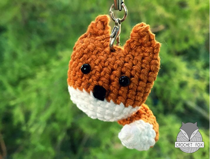 Keychain Fox - free crochet pattern in English or German by Lena Crochetfox