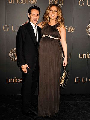 Jennifer Lopez & Marc Anthony (2008) pregnant & lovely!  At a United Nations function, wearing Gucci.