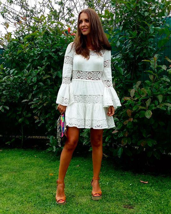 Durante estas vacaciones han sido varias las ocasiones que use vestidos blancos. Y es que si son de mis prendas favoritas durante todo el año, cuando estoy relajada y mis únicos planes son descansar, salir a pasear, a cenar… Me apetecen aún más! Y esta semana os voy a poner los que llevé en mis […]