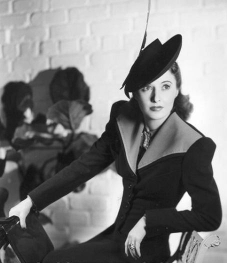 Barbara Stanwyck in a fabulous hat :)