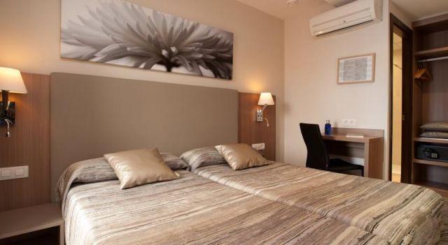 Hostal Centric - #Guesthouses - EUR 35 - #Hotels #Spanien #Barcelona #L'Eixample http://www.justigo.de/hotels/spain/barcelona/leixample/hostal-centric_22099.html