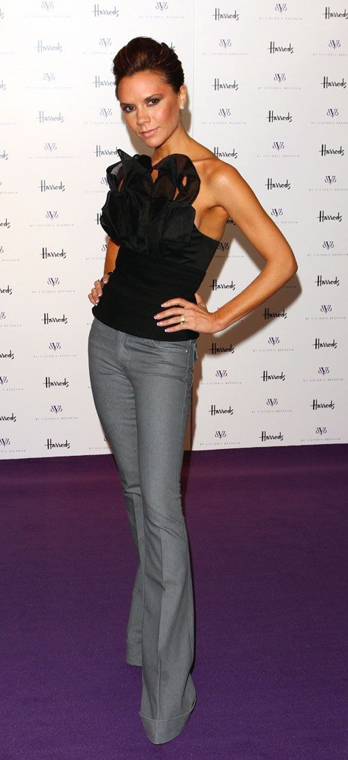 VB in DVB: Flare Jeans, Celebrity Style, Wide Legs Pants, Fashion Icons, Beckham Style, Victoria Beckham, Grey Pants, Black Tops, Corsets Tops