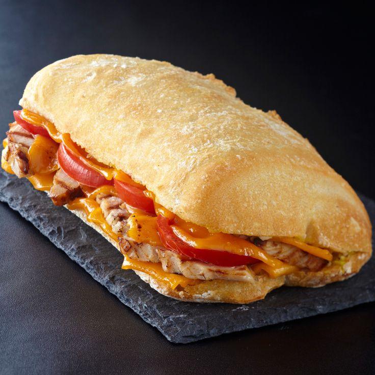 Sandwich au poulet froid tomate et cheddar recette le sandwich sandwiches et le poulet - Idee de sandwich froid ...