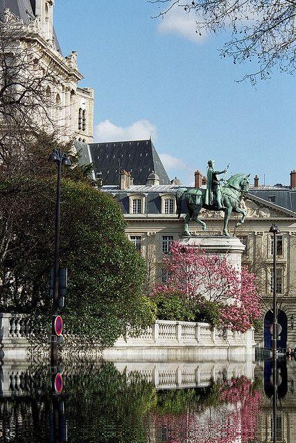 Printemps Hôtel de Ville, Paris
