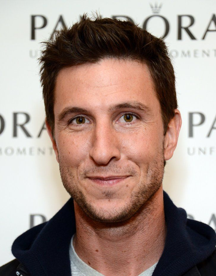 Pin for Later: OITNB's Pablo Schreiber Is Really Hot Without That Pornstache But underneath it all, you'll find THIS HANDSOME MAN named Pablo Schreiber. Who IS THIS?! What have you done with Pornstache?!