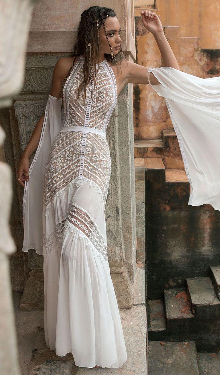 Bohemian Brautkleid Neckholder Ausschnitt ärmellos romantisch weich eine Linie …   – sposa