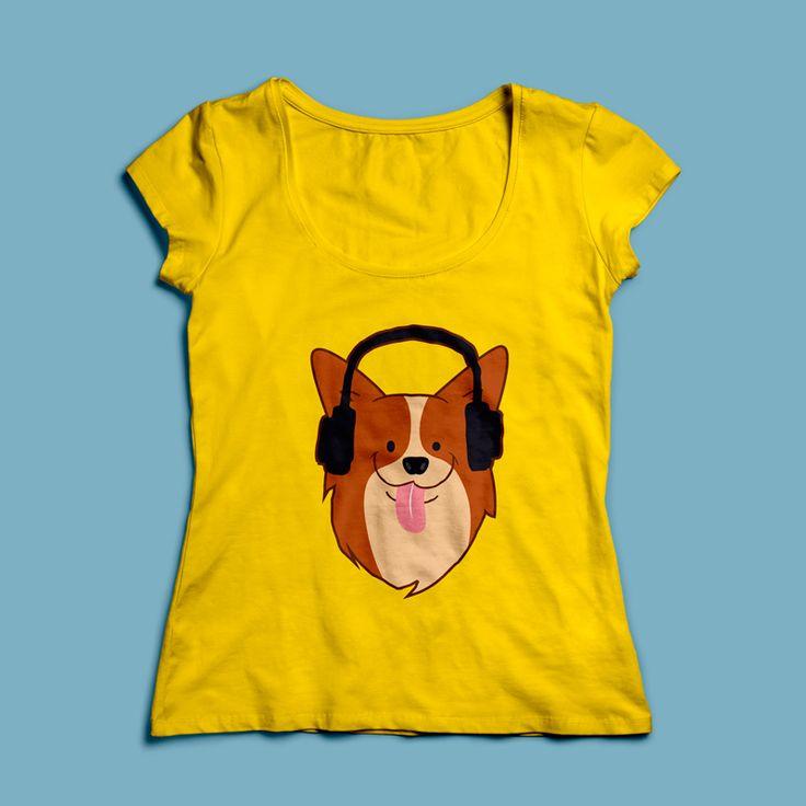 T-shirt DJ Hondje | Een 100% katoen single jersey t-shirt verkrijgbaar met v-hals of ronde hals met een schattig hondje voor zowel dames als heren! In diverse maten verkrijgbaar.  #kleding #textieldruk #opdruk #print #eigenprint #damesshirt #herenshirt #tshirt #shirt #cartoon #illustratie #dj #muziek #hond #hondje