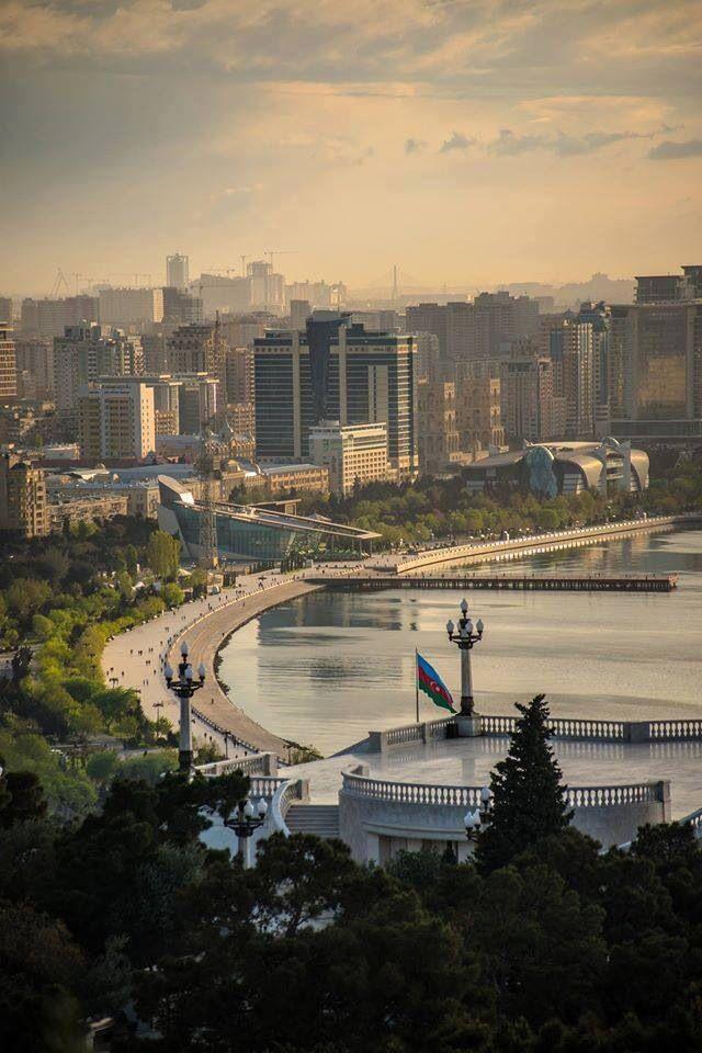 Baku with its own beauty ^^