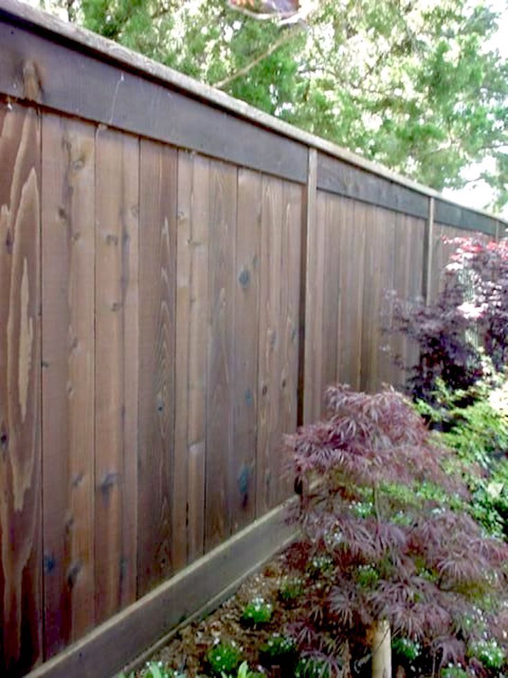 Horizontal Fence With Lattice Top