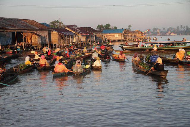 Lok Baitan floathing market, East Borneo, Indonesia