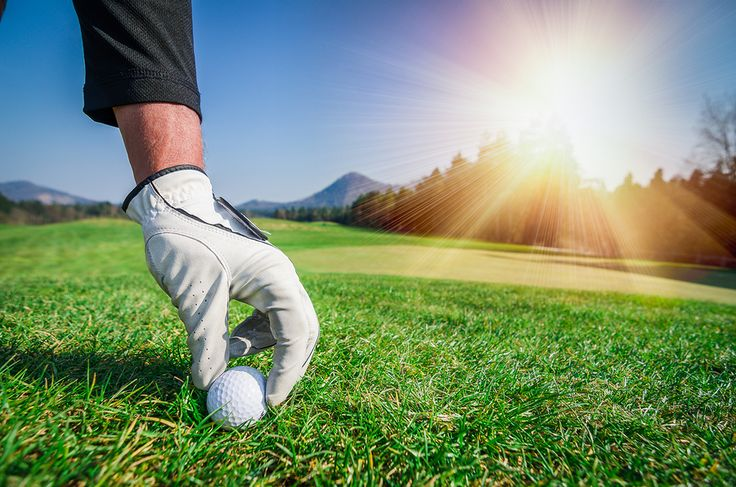 Beautiful Golf Courses. Visit the Best in the World. From the waves crashing near Pebble Beach Golf Course in California to the beautiful azaleas of Augusta National Golf Club in Georgia, take a look at some of the gorgeous golf courses around the world.