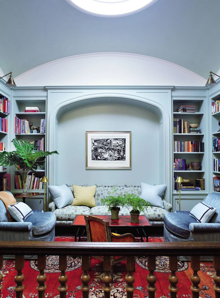 Traditional Living Room By Peter Pennoyer Architects And Bilhuber Associates In New York City