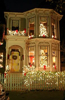 Victorian homes at Christmas in Sac town.
