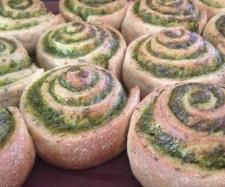 Recipe Wholemeal Chia Scrolls with Spinach and Spring Onion by thermobexta - Recipe of category Baking - savoury