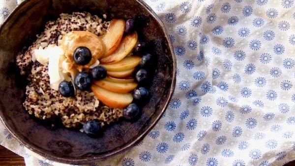 Puuro quinoasta ja kaurasta
