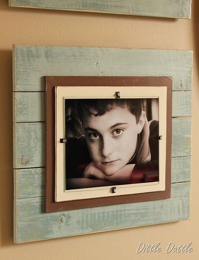 "DIY picture frame idea- Saw one of these at the beach that said ""Swim Like a Mermaid..."" I definitely want to make one for Callie"