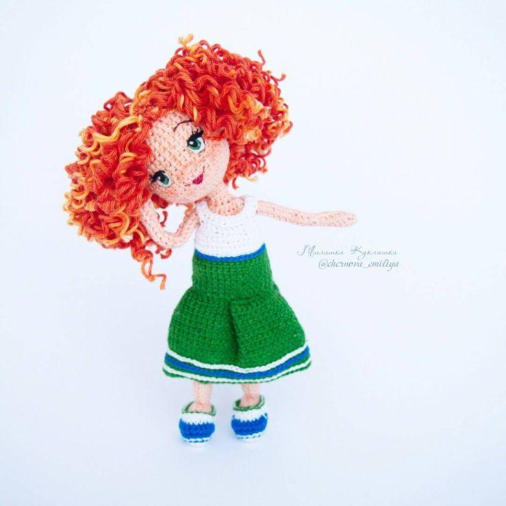 405 отметок «Нравится», 20 комментариев — МилашкаКукляшка Кукла Амигурум (@chernova_emiliya) в Instagram: «Ещё порция позитива  в ленту!!! Марта тут и так и сяк. #милашка_кукляшка Продается3300 руб. +…»