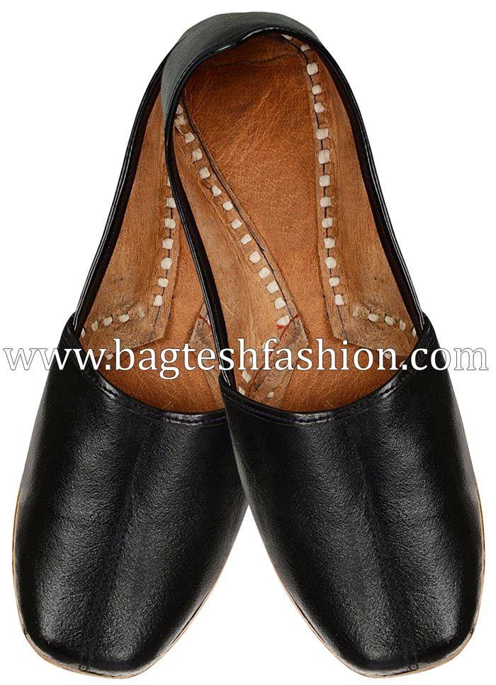 157023483 Mens Black Leather Round Handmade Mojadi  Mojari  Khussa  handcrafted   footwear  Juti  Jutti  Mojri  Mojadi  Rajasthani  Indianweddingshoes   PunjabiJutti