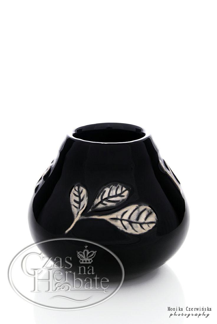 Ceramiczne matero kolorze czarnym z listkiem.