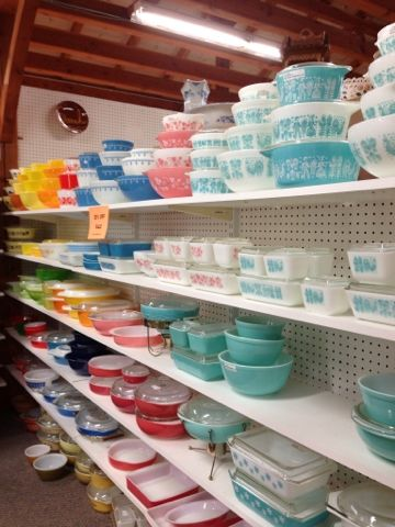 I just want the turquoise & white bowls & dishes. I wish I knew where this place was. And I had a big wad of cash.