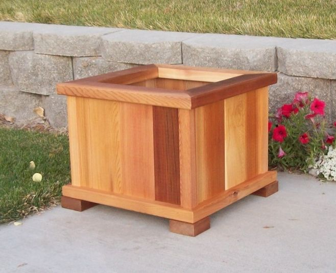 Grow The Perfect Tomato With Our Cedar Planter Boxes 400 x 300