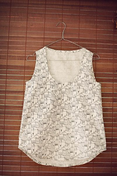 wiksten tank top (a blog post from the tidytipsy blog). pattern comes with tank AND dress as a pdf!!  yes please!!