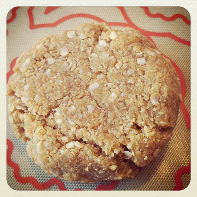 Sundance Bakery: Gluten Free Anzac Biscuits - a day late!