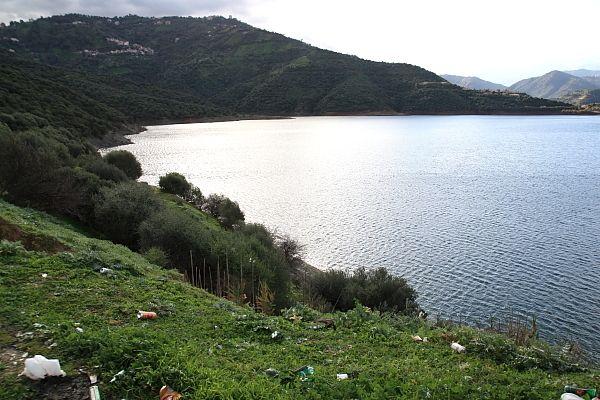 Association Arc en Ciel de Tizi Ouzou: Nous avons fait de notre environnement, un dépotoir à ciel ouvert : des tonnes de déchets domestiques inondent la nature : canettes, bouteilles, sachets en plastique … enlaidissent l'environnement. Nous appelons...