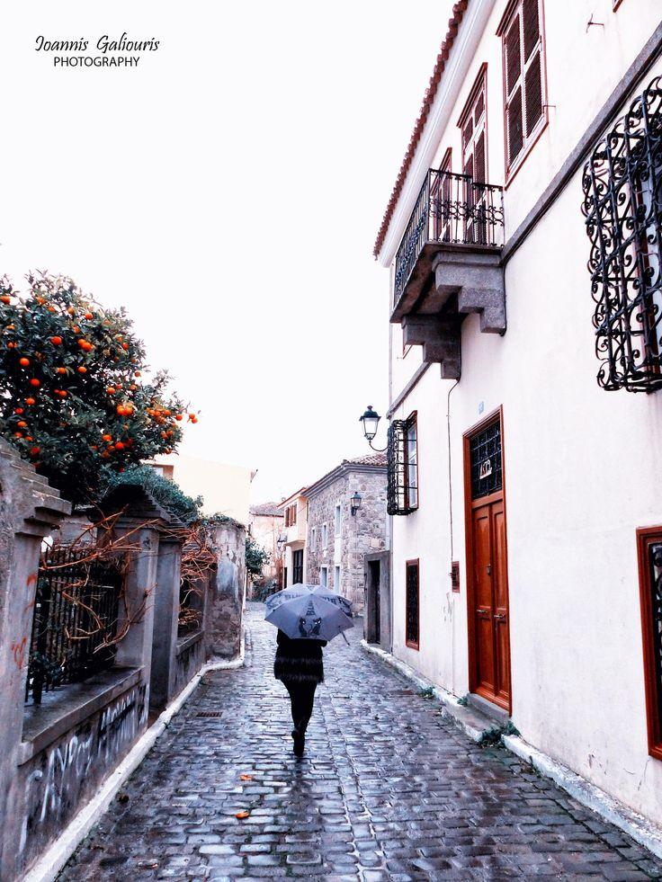 Περπατώντας στα γραφικά σοκάκια της Μύρινας... Φωτό: Ioannis Galiouris Photography