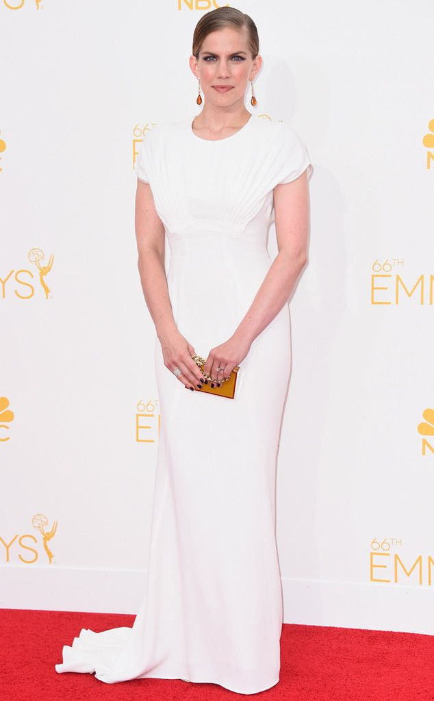 Anna Chlumsky wows in white in this Zac Posen stunner!