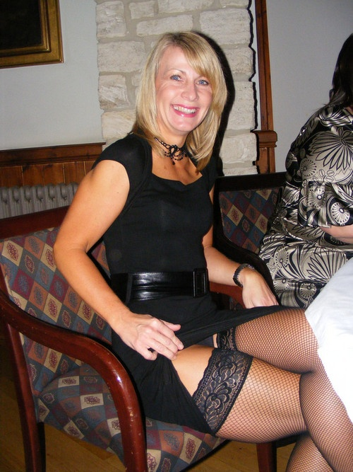 stockingsPantyhoes Mature, Amazing Legs, Pantyhose Mature, Mature Lady, Milf, Sexy Mature, Nylons Legs, Hot Legs, Beautiful Mature