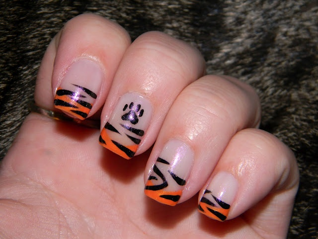 Wickless & Polished!: Here Kitty Kitty! #nailart