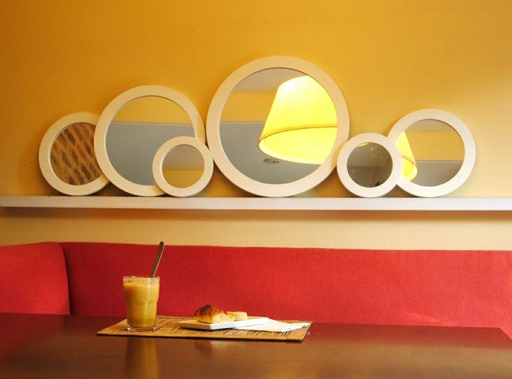 espejos redondos con marco blanco