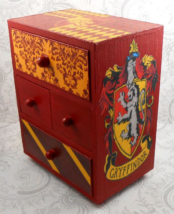 Custom Gryffindor Red and Gold Harry Potter Stash by pzcreations22, $35.50 #HarryPotter #HP *