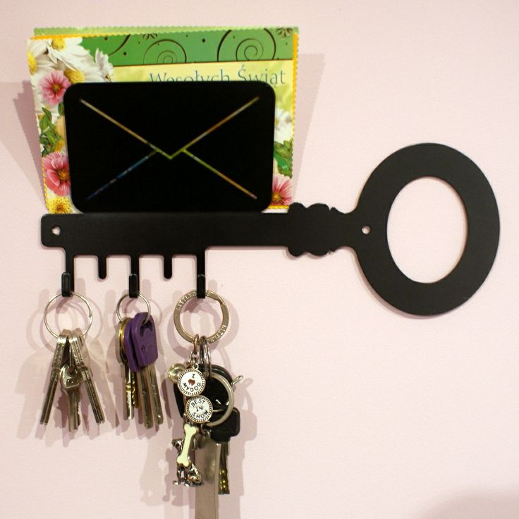 Available colors: black and white; Dimensions: length-28 cm, height-15,5 cm; Number of hooks: 3; Price: 29 PLN.