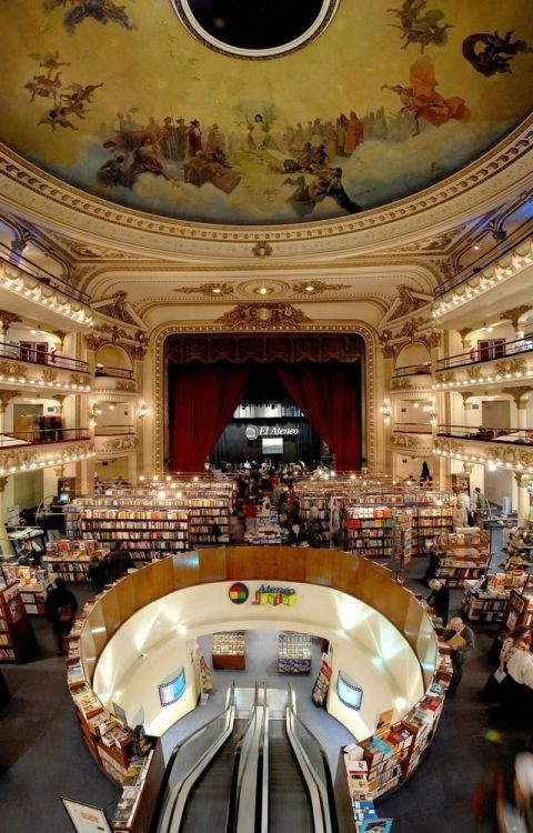 El Ateneo Grand Splendid is a very original library located in Buenos Aires