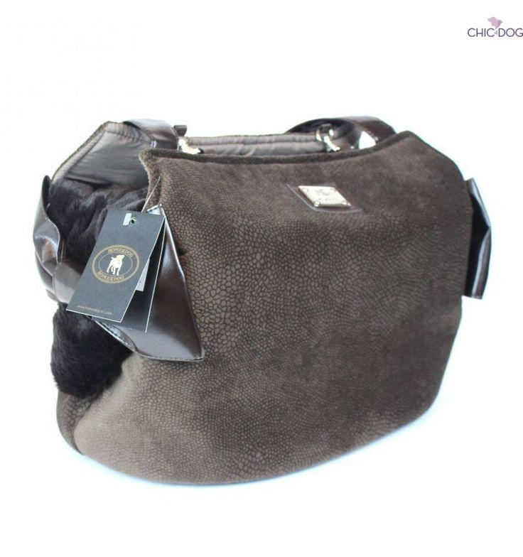 Ricciolina - #dogbag brown noance absolute comfortable for your little #dog   Ricciolina borsa per #cani invernale - qui nelle tonalità del marrone. Scopri gli altri colori su #Chic4Dog