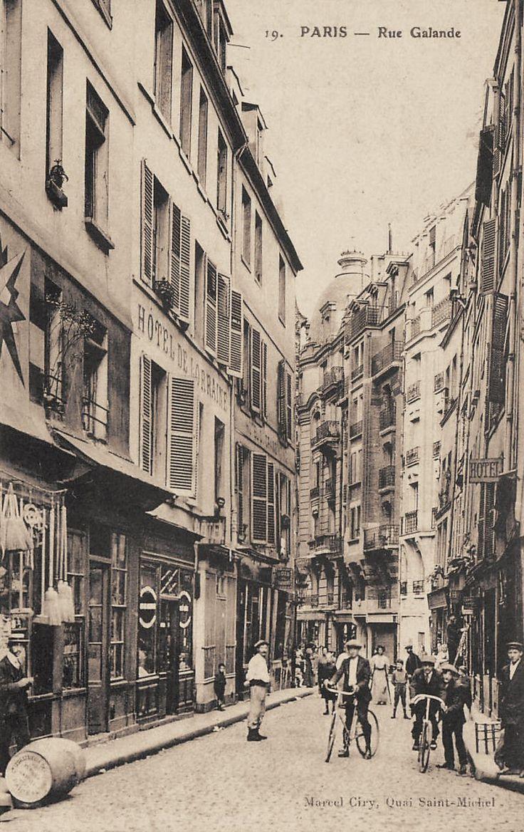 rue Galande - Paris 5ème La rue Galande vers 1900.