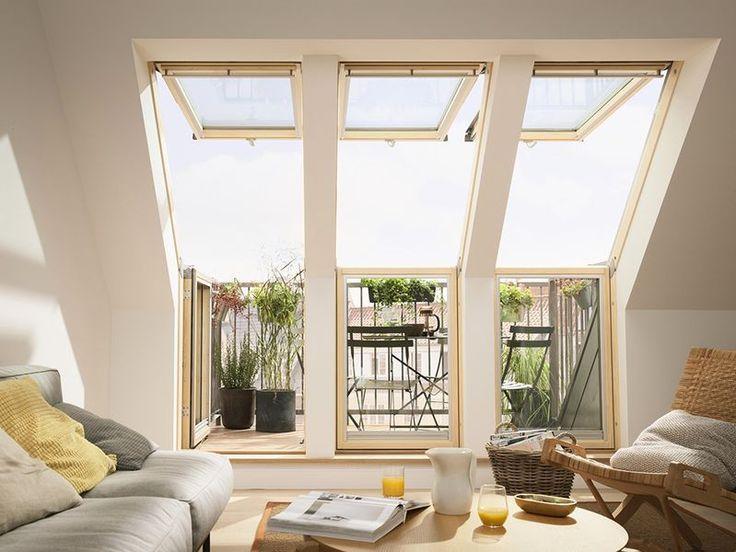 Mit Einem Schritt Vom Dachgeschoss Ins Freie: Auf Dem Eigenen Balkon  Genießt Man Nach Herzenslust