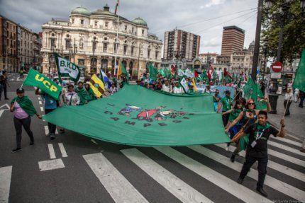 Vía Campesina: Declaración de Euskal Herria, VII Conferencia Internaciona, Construimos movimiento, Alimentamos nuestros pueblos, Madre Tierra