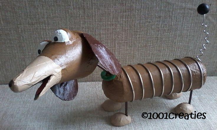 Deze Slinky Dog uit Toy Story kun je nu zelf maken, ook als surprise! Kijk voor het patroon op ons blog.